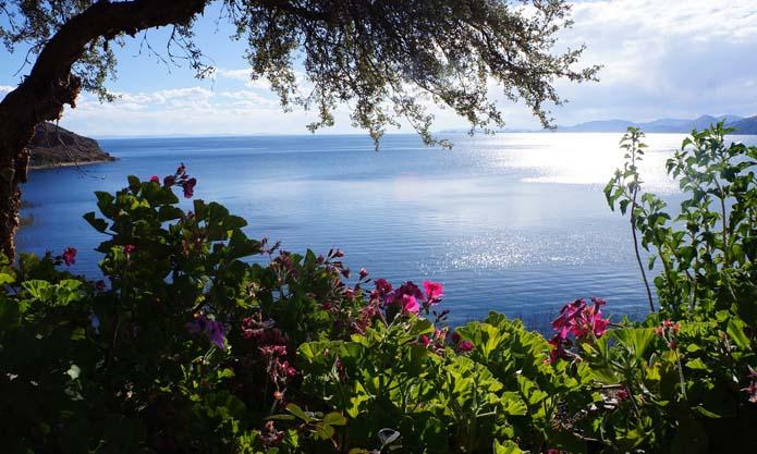 Isla Suasi Lake Titicaca   Best hotels in Puno